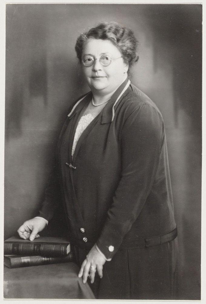 Rosa Manus