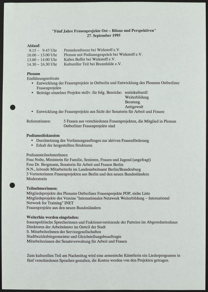 """Ablaufplan der Podiumsdiskussion """"Fünf Jahre Frauenprojekte Ost - Bilanz und Perspektiven"""", 27. September 1995"""