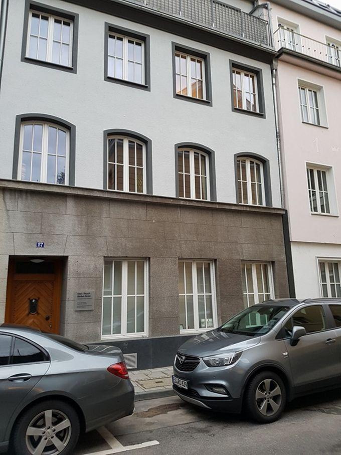 Die Räume des Republikanischen Clubs Köln befanden sich im Souterrain des Hauses Am Römerturm 17 - hier tagte die erste Kölner Frauengruppe